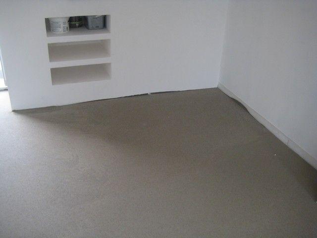 savoir ragr er un sol en b ton et un parquet. Black Bedroom Furniture Sets. Home Design Ideas