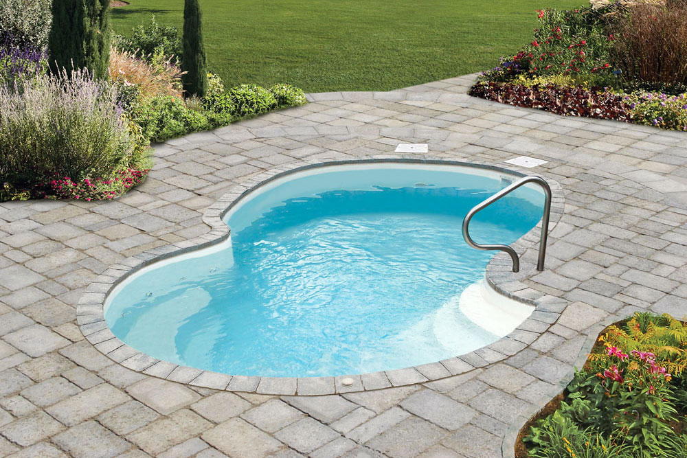 Piscines de fibre de verre construction et installation for Fibre de verre pour piscine