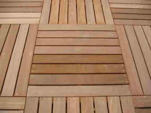 Bases d un plancher en bois solives et poutres for Plancher exterieur bois