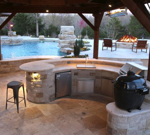 outdoor kitchen with pool and patio Outdoor Kitchen Frisco TX | Prestige Pool and Patio