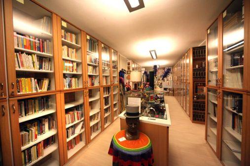 Foto Murialdo: Cherasco Museo della Magia. biblioteca