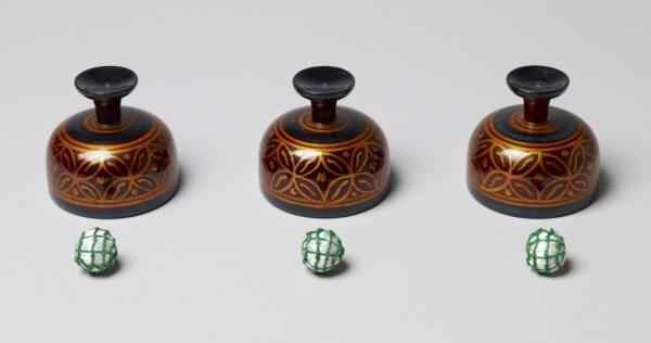 Cheppum Panthum indian cups balls bussolotti indiani india