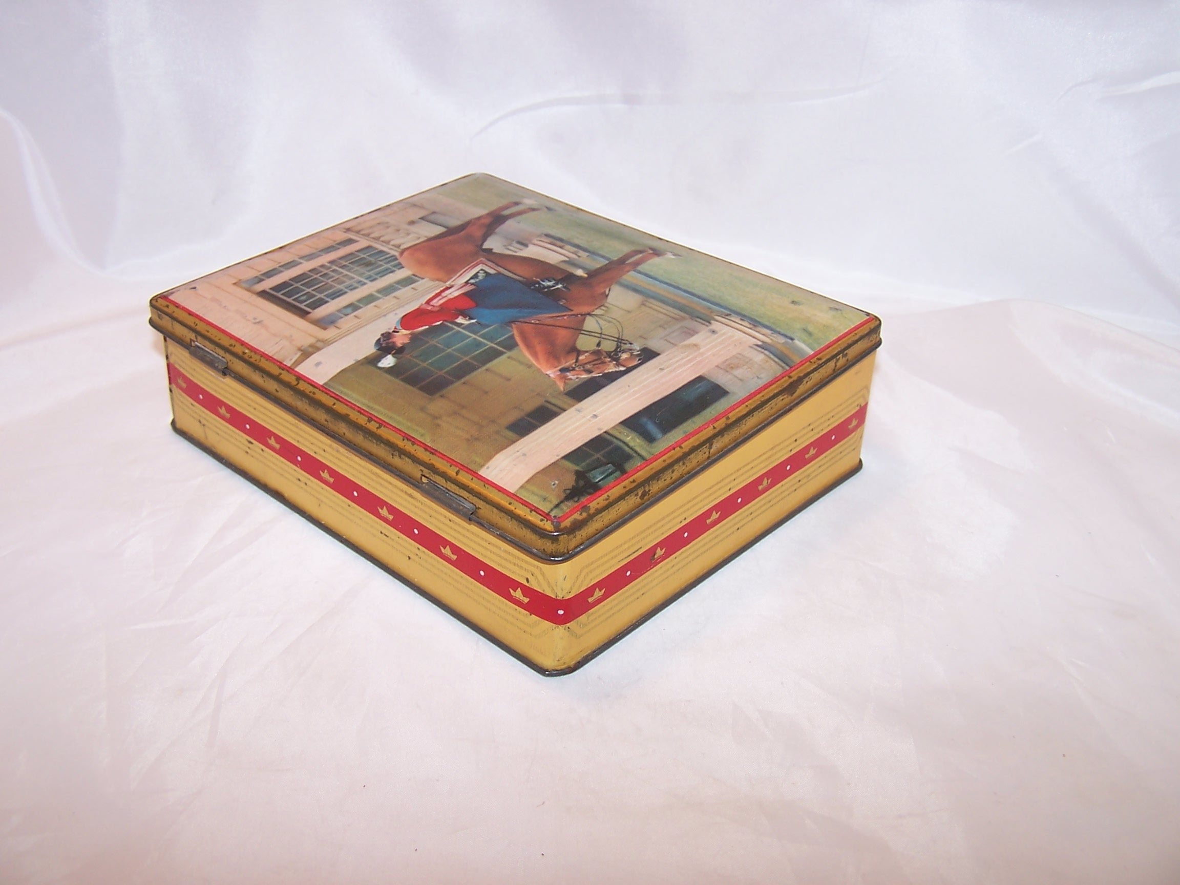 Queen Elizabeth Tin Hinged Box Sharp And Sons Vintage