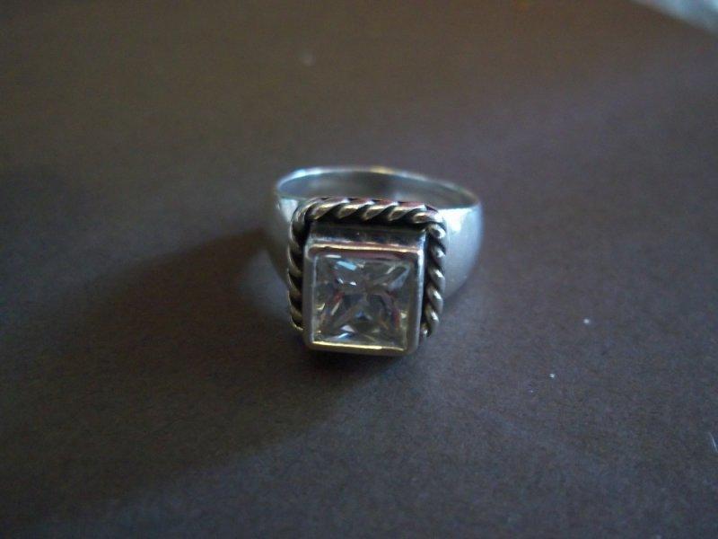 R0836 Silpada Elizabeth Ring Size 6