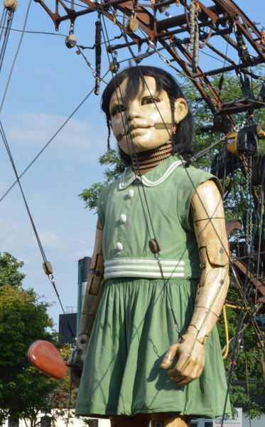 giant spectacular, giant spectacle, royal de luxe, liverpool giants, little girl giant