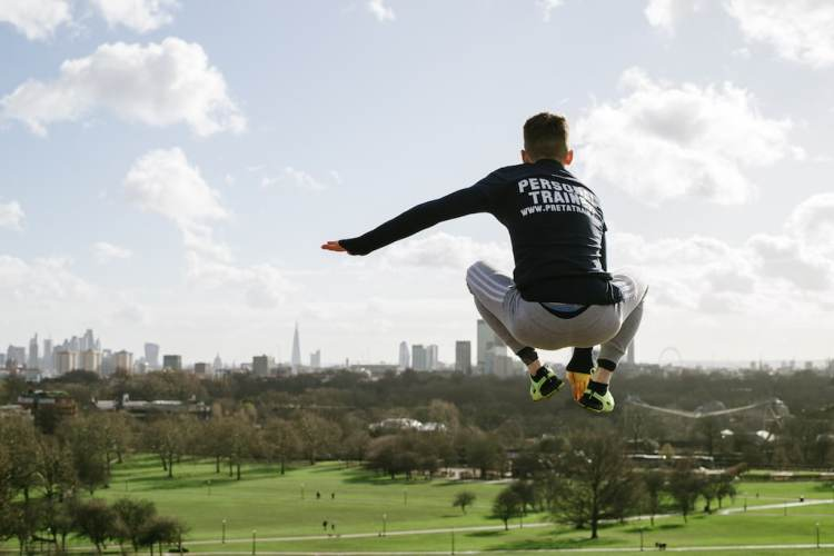 Personal trainer Paris Pret a Train jump