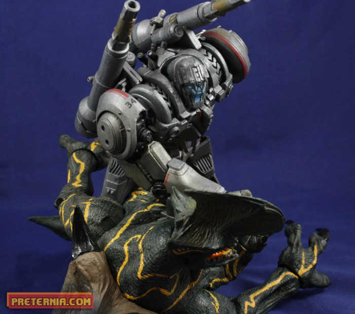 NECA Pacific Rim Series 3 Jaeger Coyote Tango Review