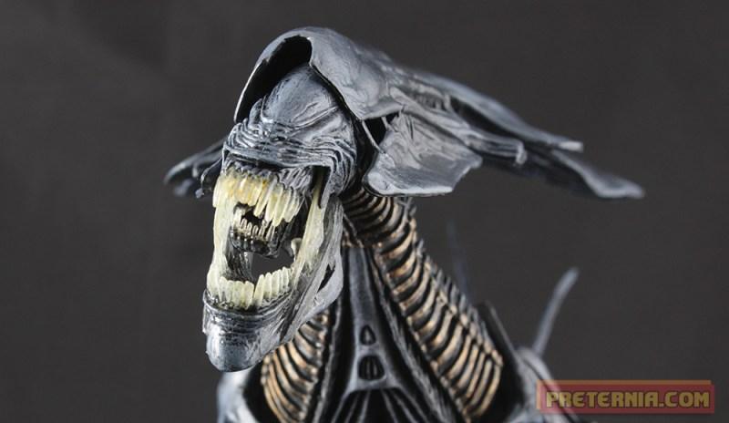 NECA Alien Queen Deluxe