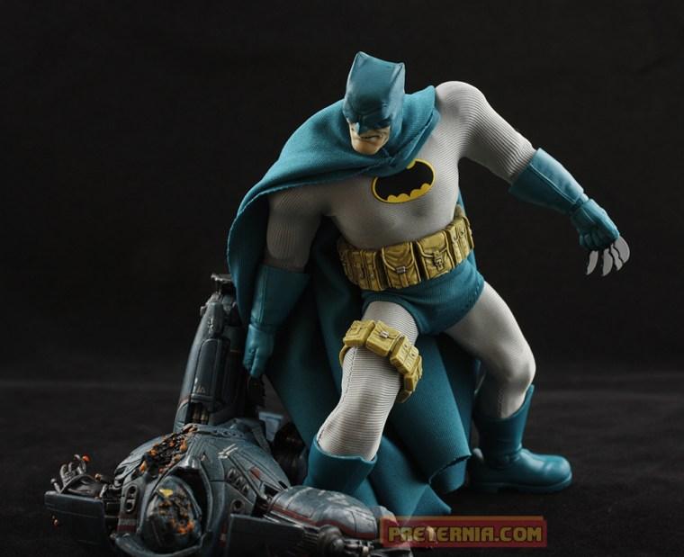 Mezco one:12 Dark Knight Returns Batman Previews