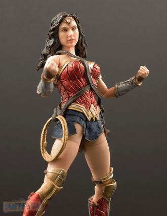 Mezco One:12 Collective DC Wonder Woman Review