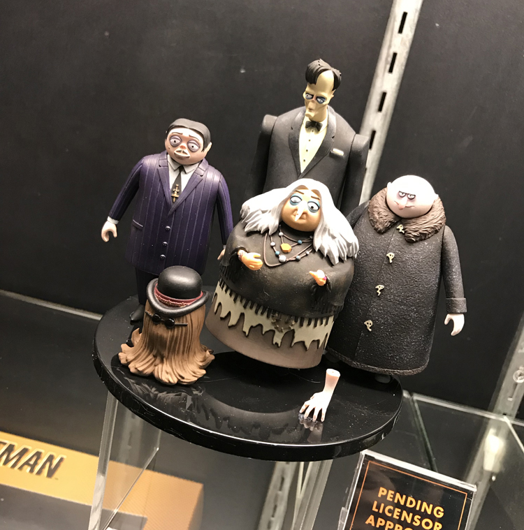 """Toy Fair 2019: Mezco Toyz Debuts their """"Five Point"""" Line Along With Many One:12 Reveals"""
