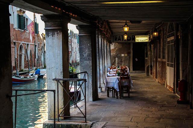 Photos of Venice - dining