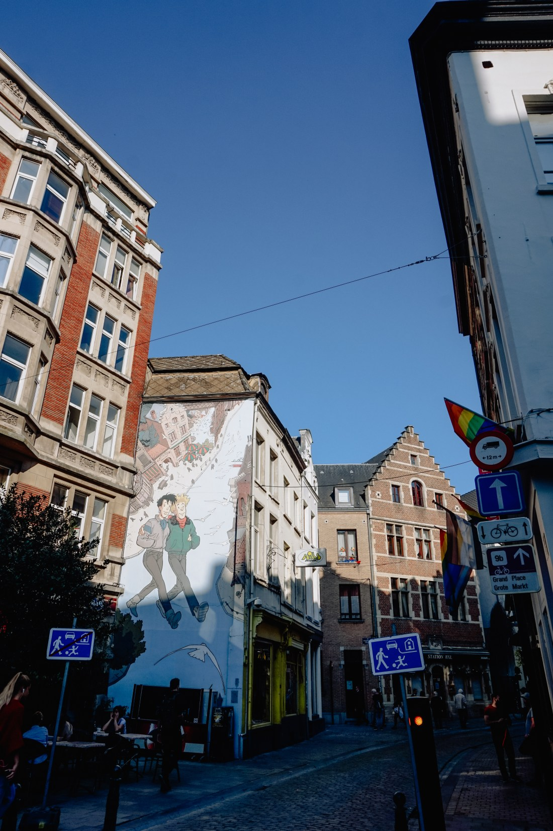 pretty naive | A Belgian Serie - Brussels