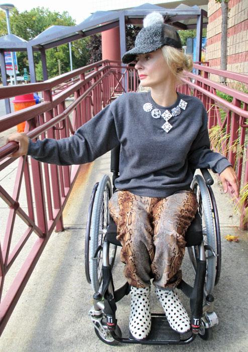 Wheelchair-girl-runway-ramp-fashion