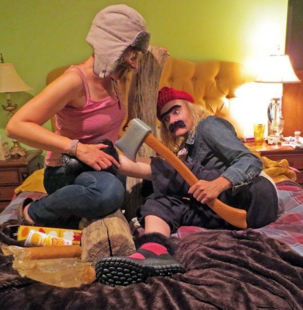 girl chopping off her leg