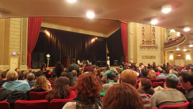 Crowd at Amanda Palmer Neil Gaiman Town hall NYC