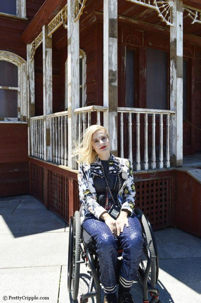 Pretty Cripple wheelchair blogger at the Psychobarn Met exhibit