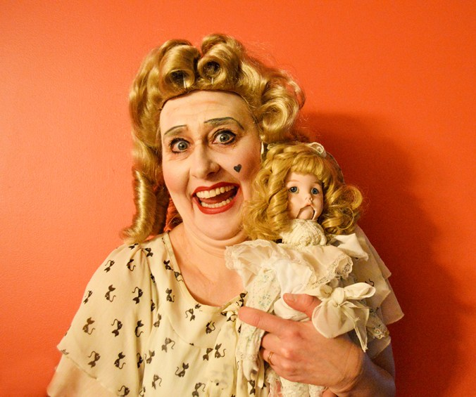 Bette Davis babyjane impersonator