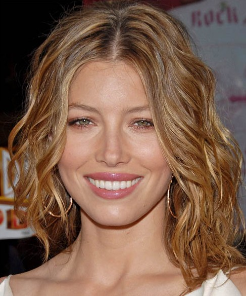 Jessica Biel Medium Length Hairstyle Haircut With Curly