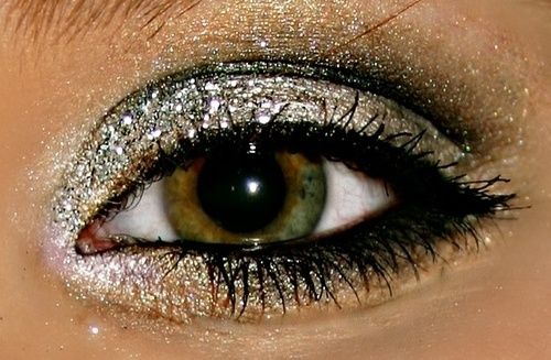 A Collection Of 40 Best Glitter Makeup