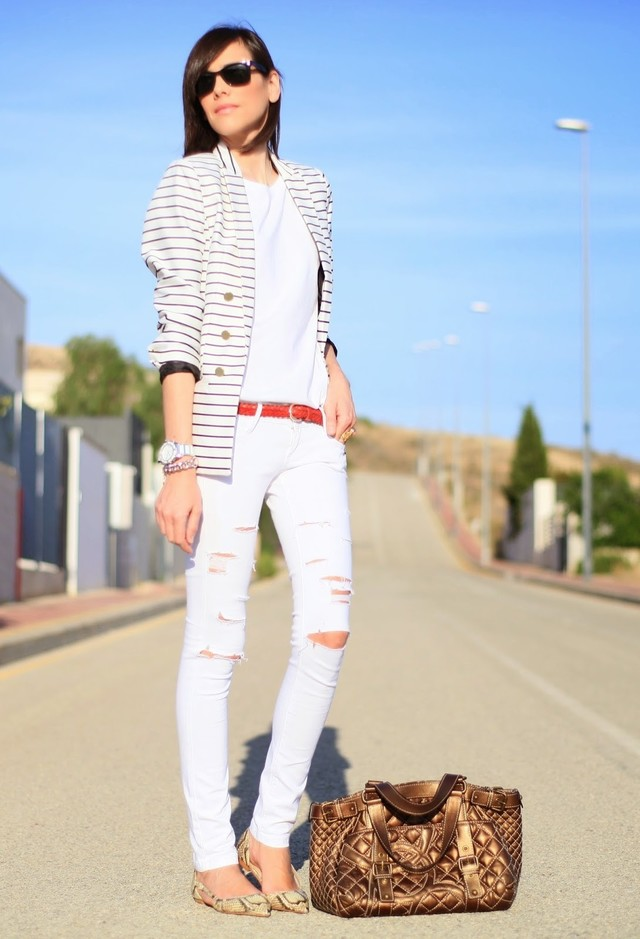 Trendy Ways To Wear Your White Jeans For Different