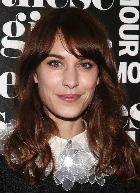 15 Flattering Alexa Chung Hairstyles Pretty Designs