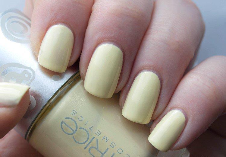 Creamy Matte Nail Design