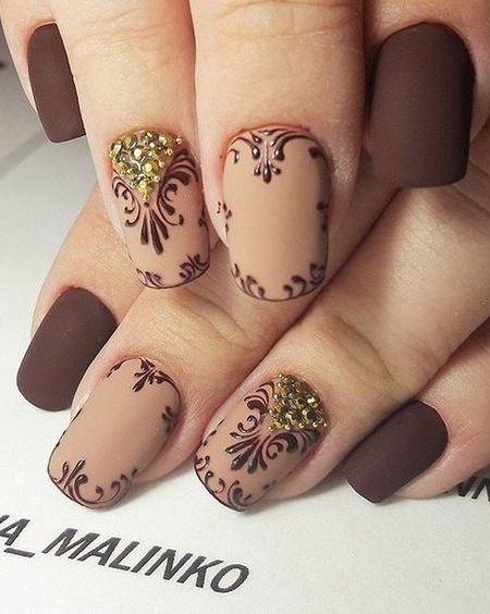 beige-nail-art via