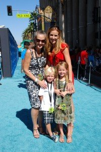 """Phineas and Ferb: Across the 2nd Dimension.  The """"Teal"""" Carpet Premiere"""