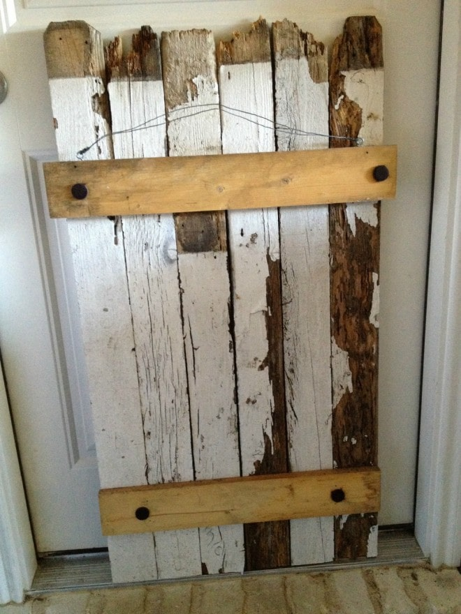 DIY RUSTIC, WEATHERED HOLIDAY CARD DISPLAY