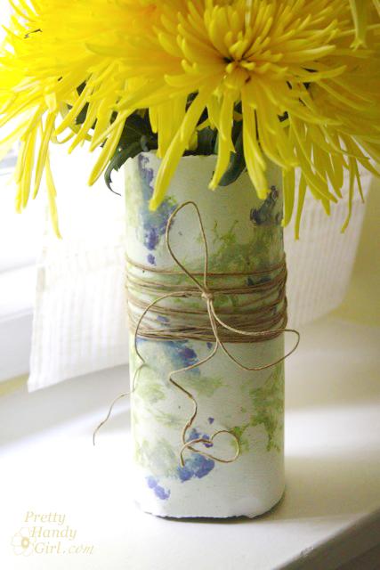 close_up_pounded_flower_vase