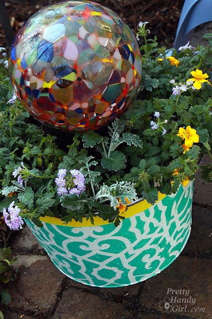 glass_globe_in_planter