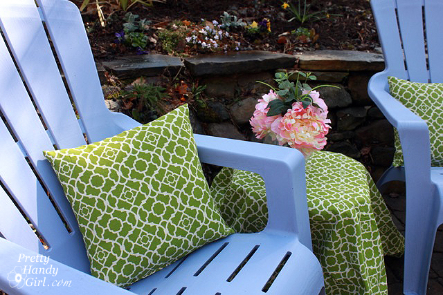 easy sewing projects to help you learn to sew - recover outdoor pillows