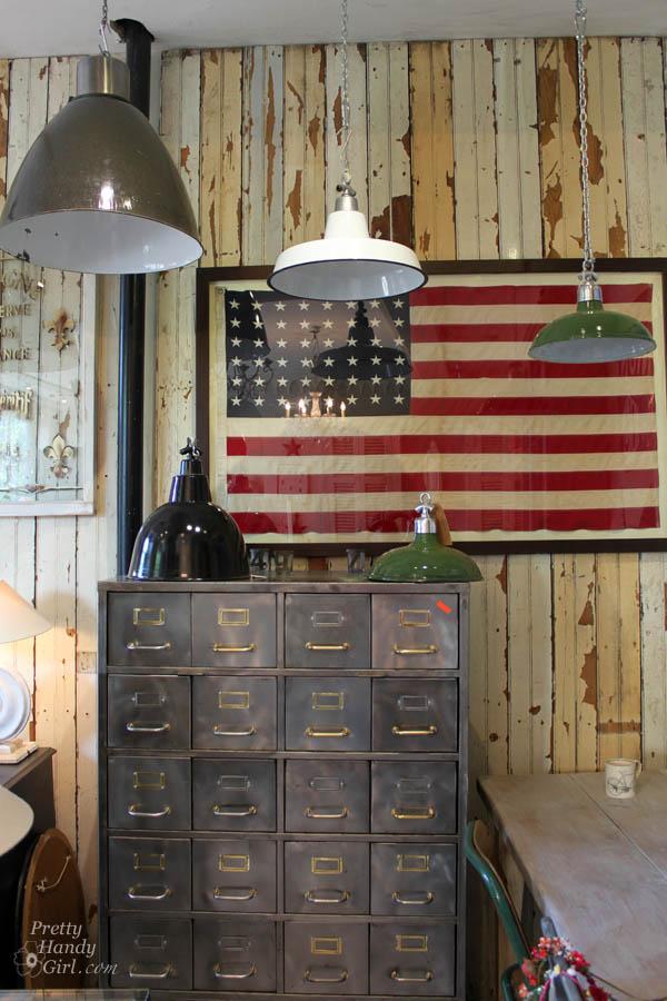 american_flag_pendants