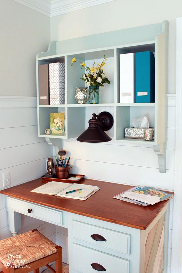 kitchen_desk_and_hutch_prettyhandygirl