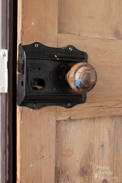 wood_doorknob