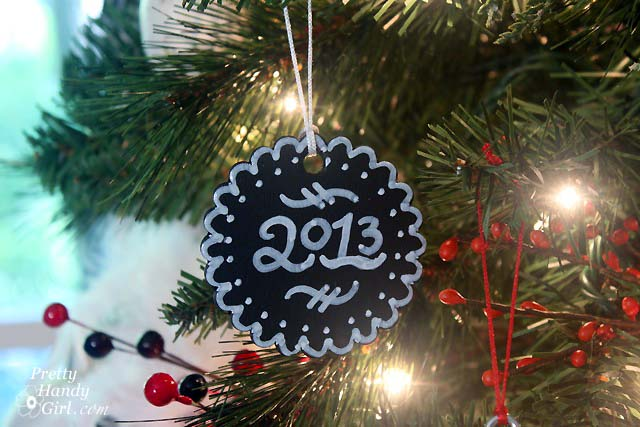 2013 Chalkboard ornament | Pretty Handy Girl