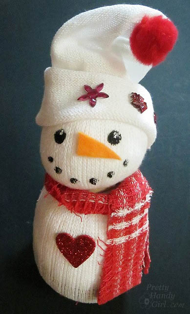 Cute Sock Snowmen | Pretty Handy Girl