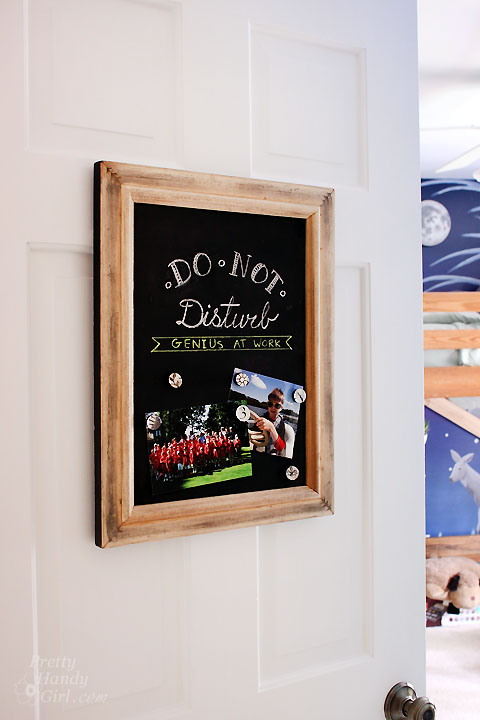 chalkboard paint projects - upcycle frame into magnetic chalkboard art
