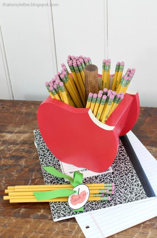 apple pencil holder 2