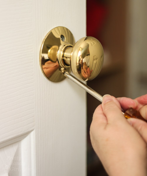 Merveilleux How To Replace Door Knobs | Pretty Handy Girl