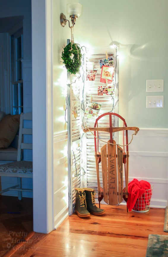 clever holiday decor - shutter card holder