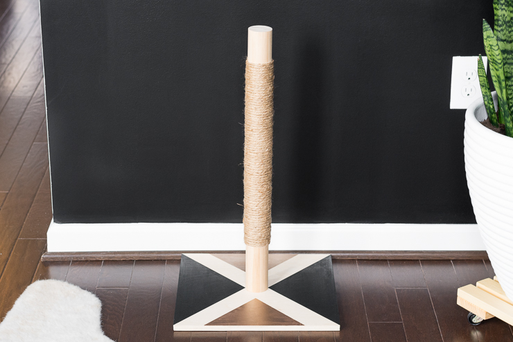 Modern DIY Cat Scratcher Post