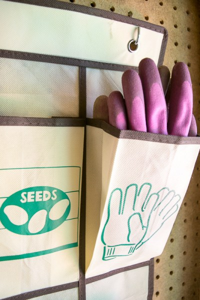 No more hunting for that missing gardening glove! Matching pairs fit perfectly in the pockets of this hanging garden tool organizer.
