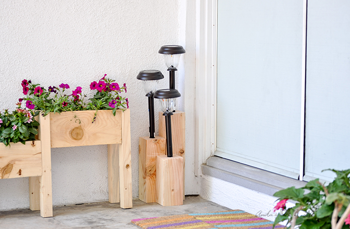 Easy Solar Light Stand DIY