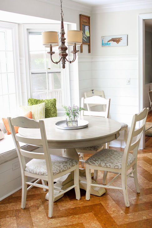 Gorgeous Fall decor. Farmhouse Table and chairs
