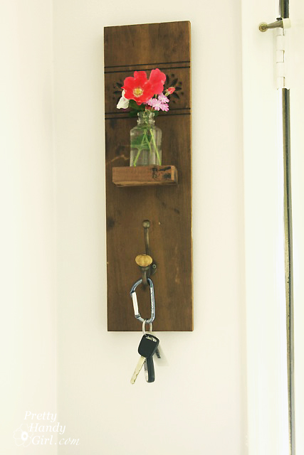 reclaimed-wood-wall-hook-vase-sconce