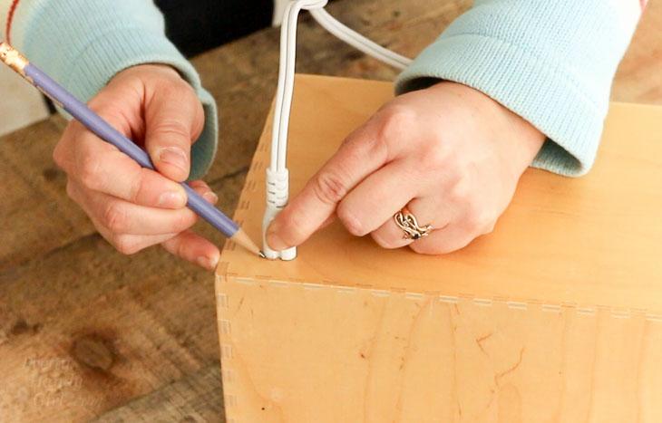 draw around plug end of cord