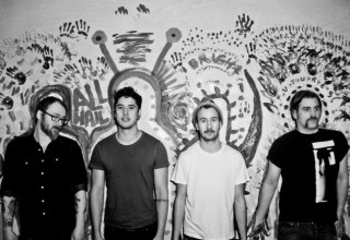 Albumstream: And So I Watch You From Afar - Heirs