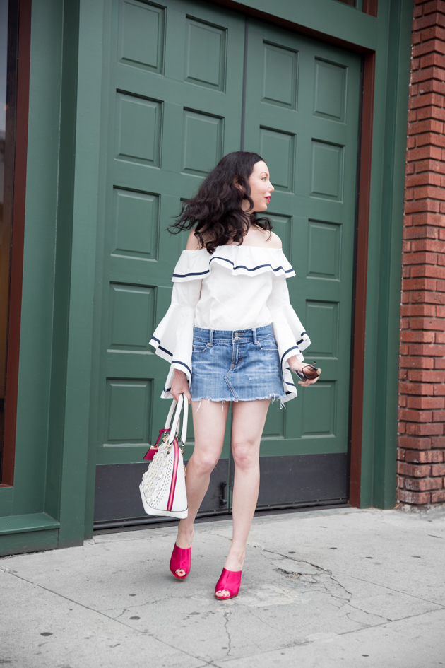 Fashion Blogger Lisa Valerie Morgan wears Pink, White and Blue